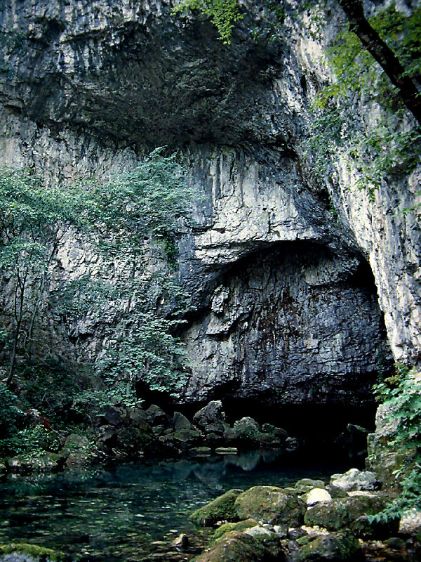 Show Caves Of Italy: Grotte Di Oliero